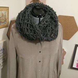 Gray knit scarf